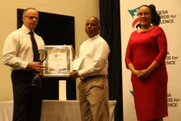 Oustanding-Service-to-the-Federation-and-the-Industry-Award